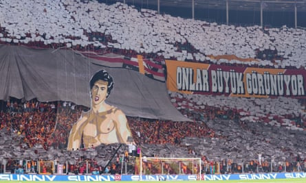 Galatasaray fans during the match against Fenerbahçe in Istanbul