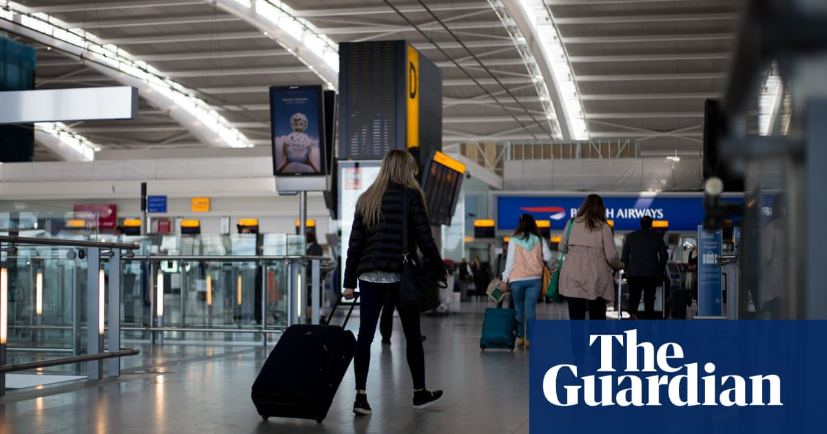 Heathrow stockpiling rubber gloves from EU for post-Brexit