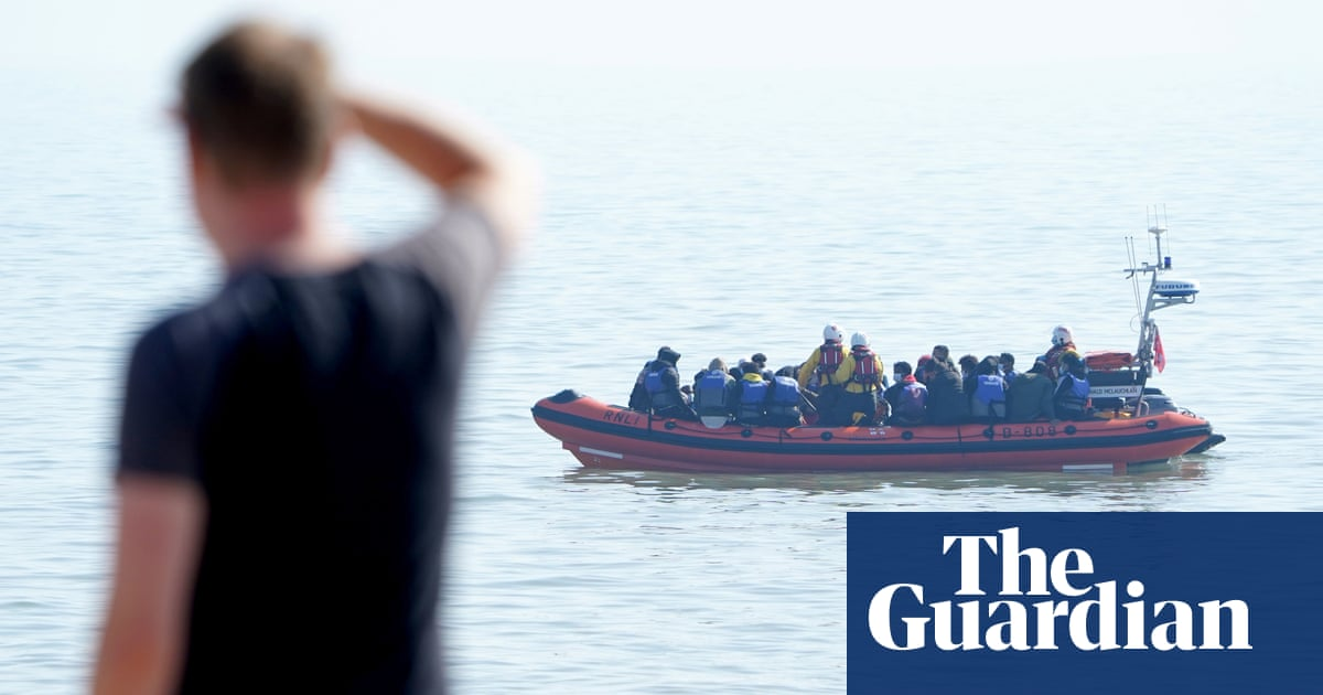 Priti Patel's plans to send migrant boats back to France 'dead in water', union says