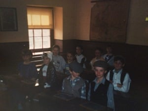 A young Pidd with fellow pupils at Judges' Lodgings.