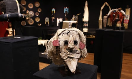 A Puebloan Kachina Huhuwa mask and other Native American artifacts at a 2014 Paris auction. US laws prohibiting the sale of ceremonial items hold no weight in France.