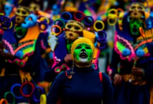 """The """"Canto a la Tierra"""" parade"""