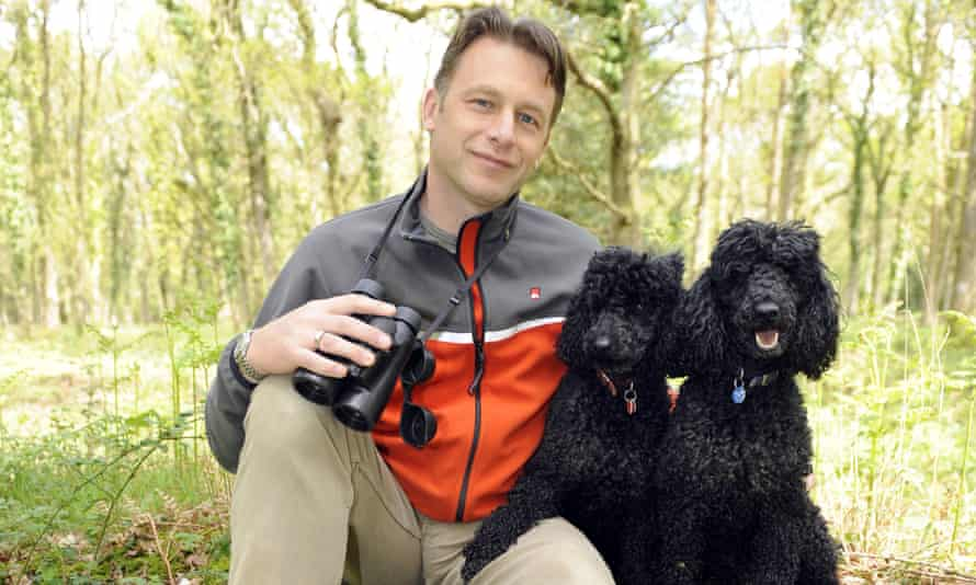 Chris Packham with his dogs Itchy and Scratchy in 2009.