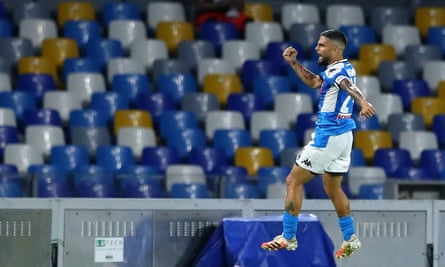 Lorenzo Insigne celebrates his winning goal for Napoli.