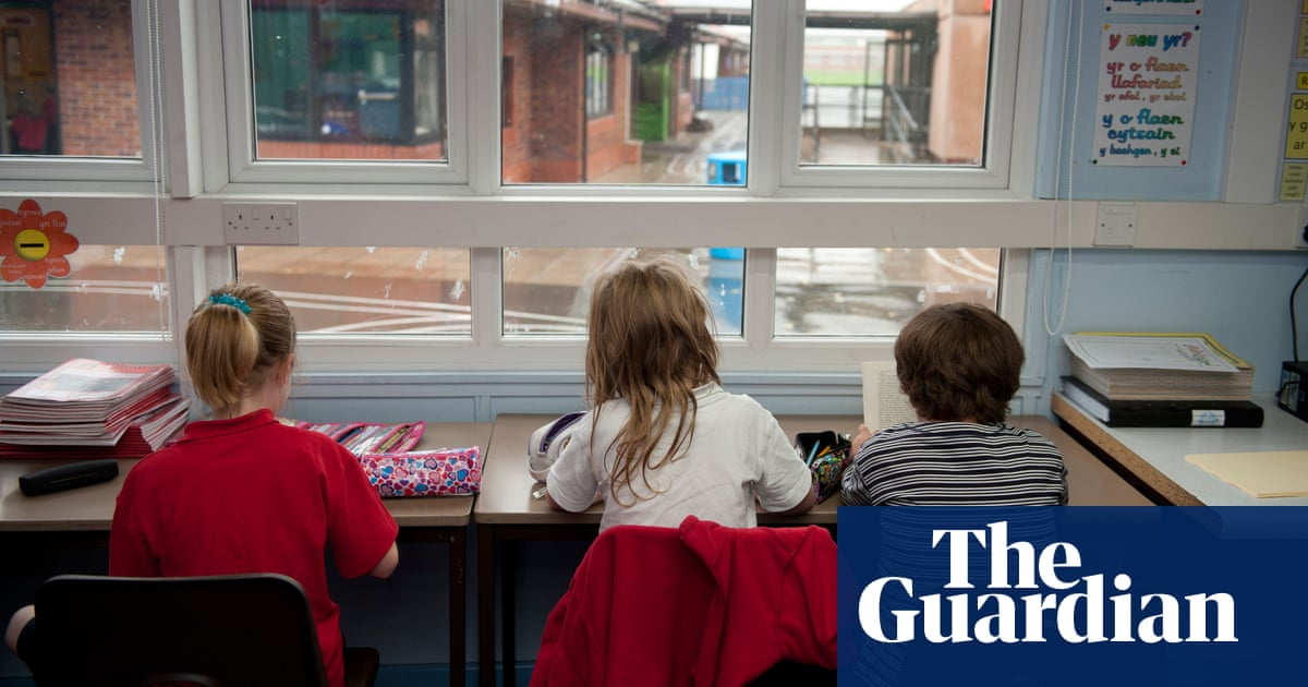 Classrooms in England to get air quality monitors to help combat Covid