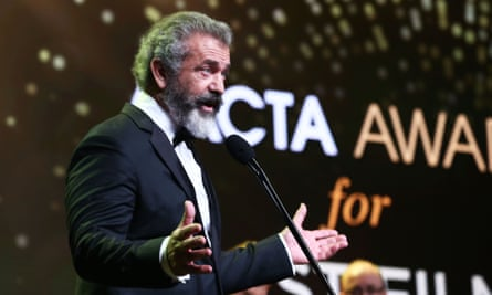 Mel Gibson speaks after winning the AACTA Award for Best Film for Hacksaw Ridge.