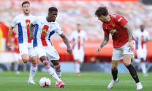 Palace's Wilfried Zaha attempts to bamboozle Manchester United's Victor Lindelöf with some fancy footwork