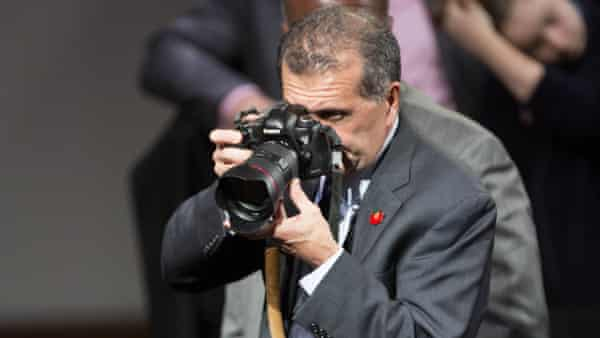 Pete Souza at work in 2016.
