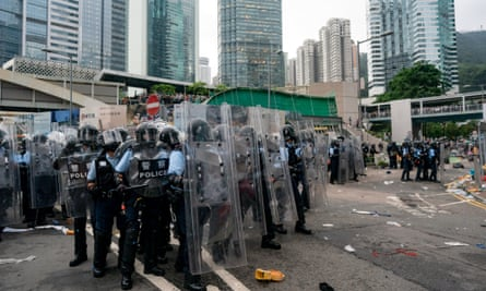 Police in riot gear confronted Hong Kong protestors on Wednesday, as the international community called for people to be able to express themselves freely.