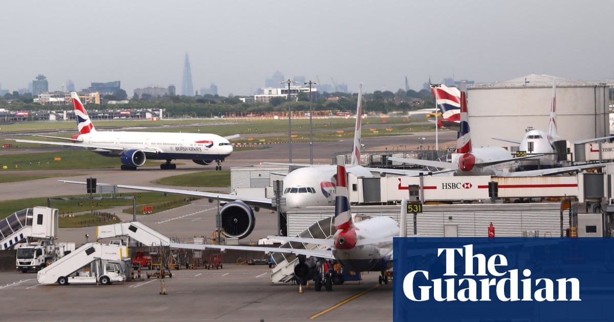 Man arrested at Heathrow on suspicion of Syria-related terror offences
