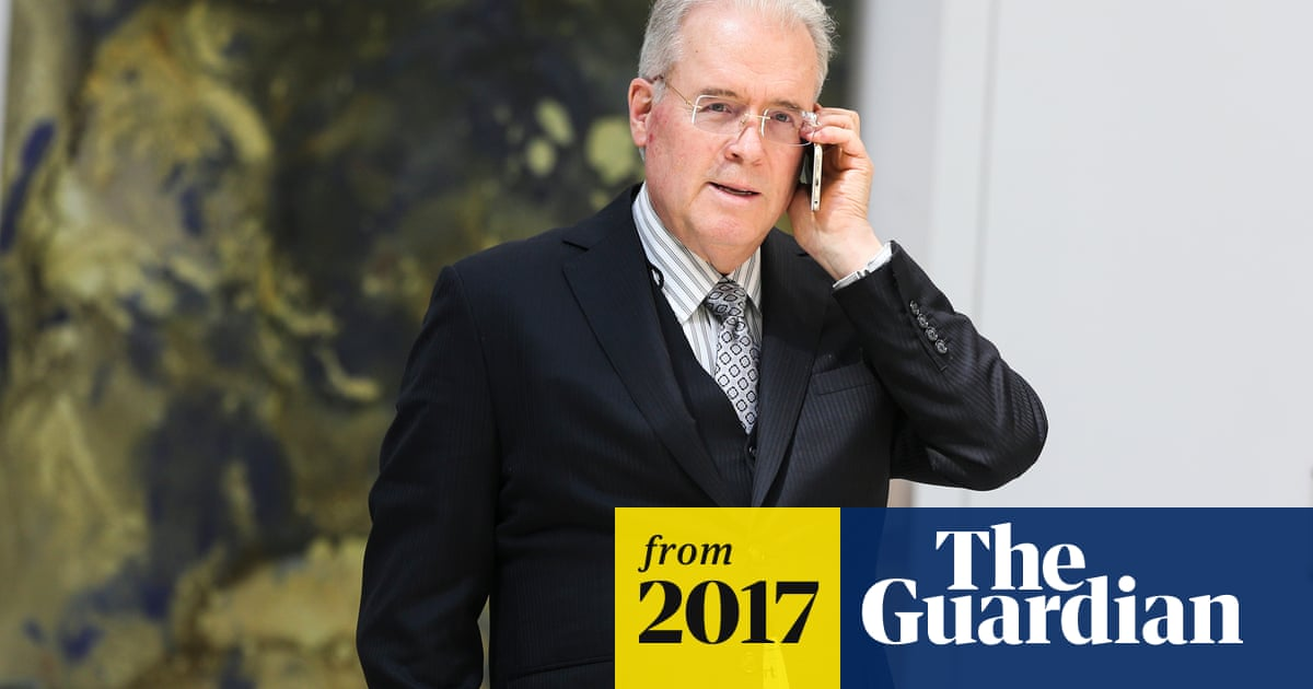 Major Trump donor Robert Mercer to sell stake in far-right news site