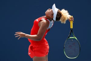 Florida, USNaomi Osaka of Japan serves against Whitney Oswuigwe of the United States (not pictured) in the first round of the Miami Open.