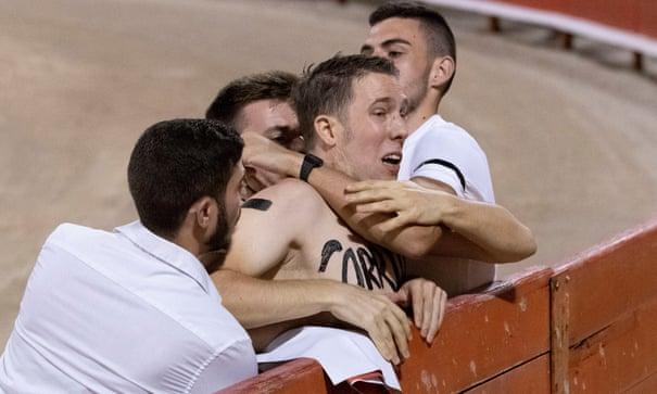 Fascist anthem played as bullfighting returns to Mallorca