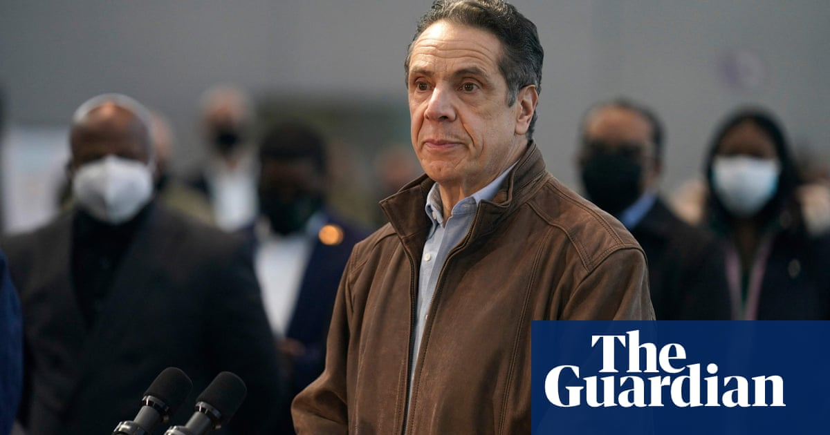 New York senators urge Cuomo to resign after governor refuses to quit