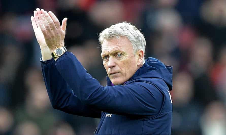 West Ham's manager, David Moyes, has taken a voluntary pay cut amid the coronavirus crisis.