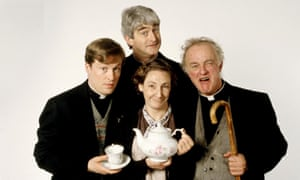 Frank Kelly, Father Ted's foul-mouthed priest, dies aged 77