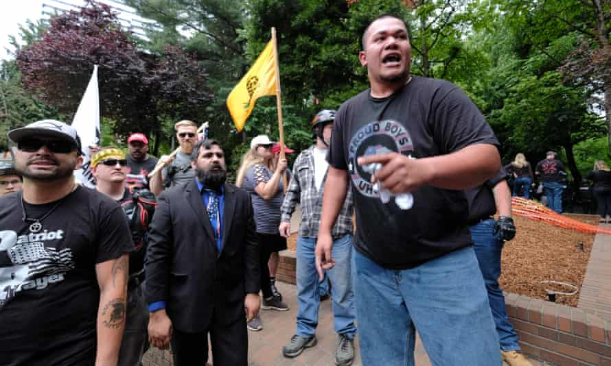 """Tusitala """"Tiny"""" Toese addresses Patriot Prayer supporters after fighting broke out between counter-protesters on 3 June in Portland, Oregon."""