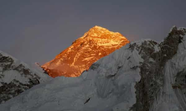 Mount Everest in sunlight, seen from the way to Kalapatthar in Nepal