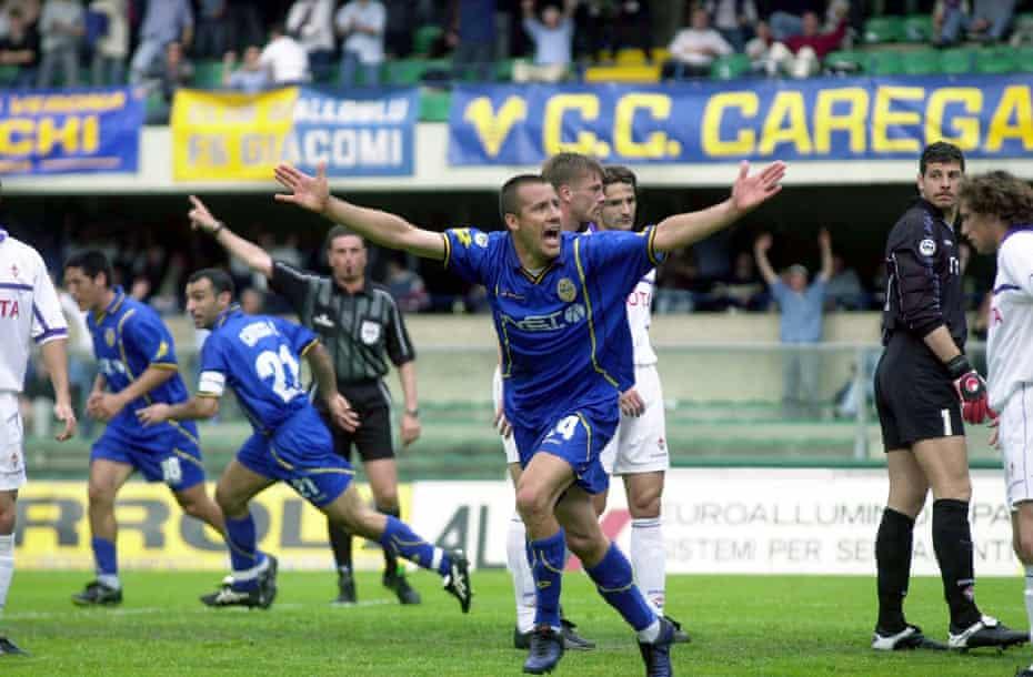 Verona's players celebrate their 2-1 Serie A win over Fiorentina in May 2001 at Stadio Marcantonio Bentegodi.
