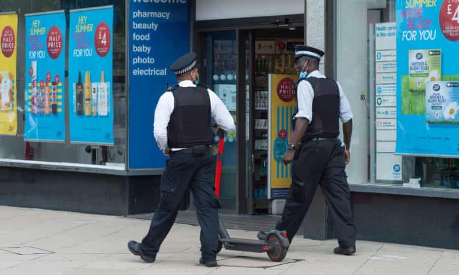 Met Police walking the streets of Uxbridge