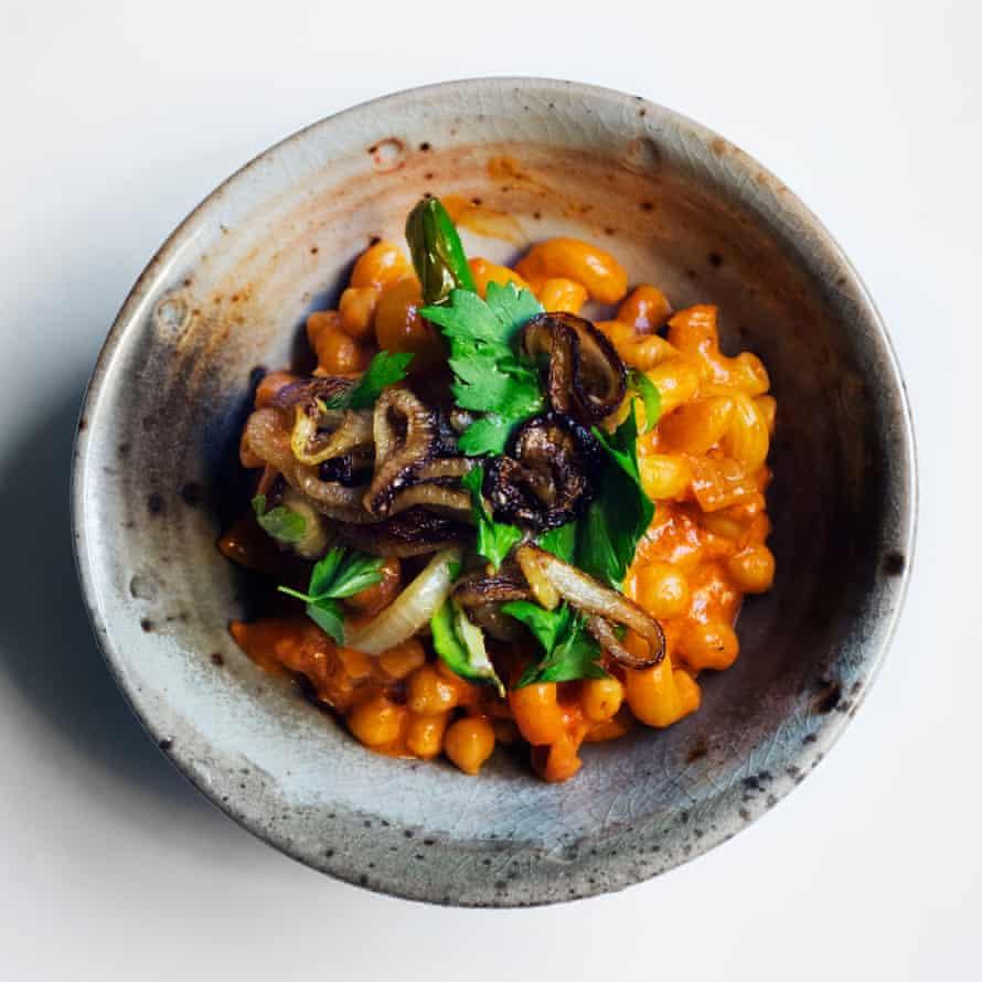 Nigel Slater's macaroni and chickpeas