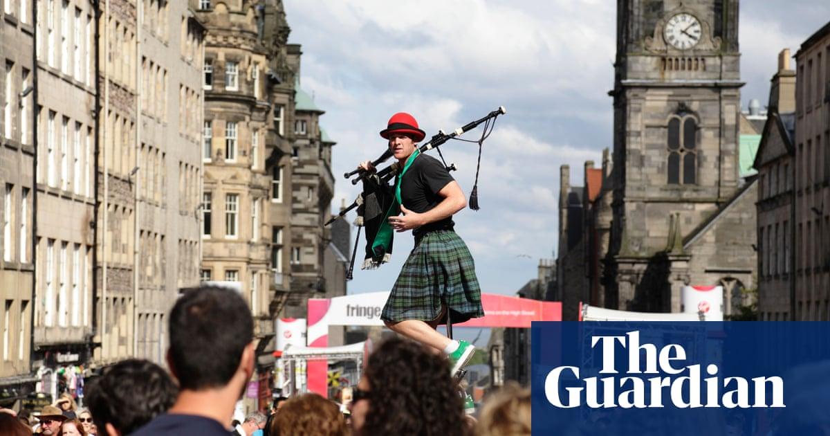 Edinburgh festival fringe threatened by Covid rules, says organiser
