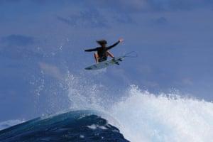 Matt Meola surfing
