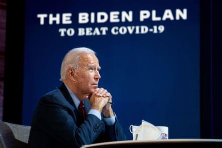 Joe Biden saat memberikan pengarahan tentang rencananya untuk menangani pandemi virus corona di Wilmington, Delaware pada 28 Oktober 2020.