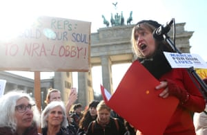 Local teacher Ellen Braendle speaks to the crowd at the March for our Lives demonstration in Berlin