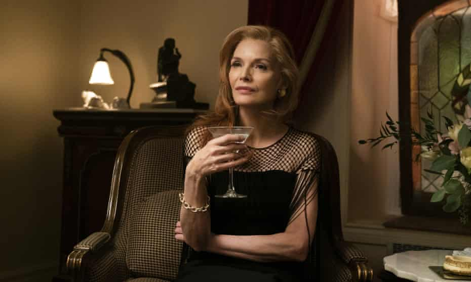 Michelle Pfeiffer in French Exit.