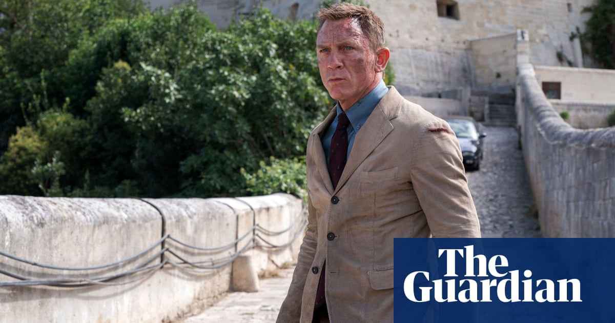Bond dresses down in No Time to Die, reflecting post-Covid style
