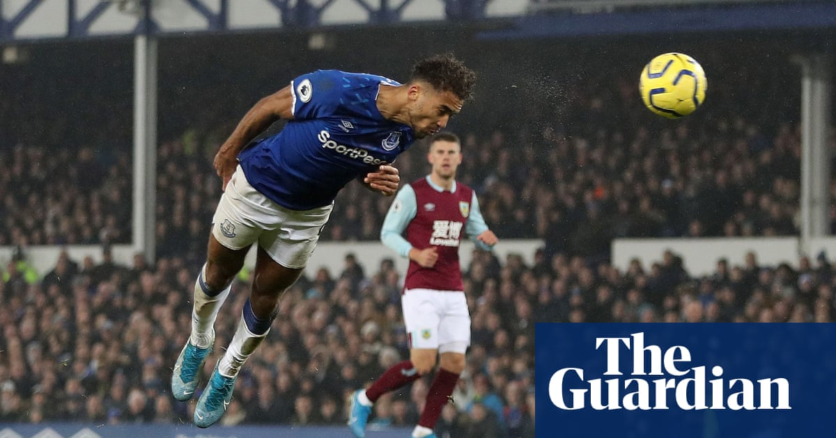 Carlo Ancelotti gets off the mark as Everton grab late win over Burnley