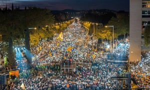 Independence supporters line the streets in Barcelona on Saturday night, calling for the release of jailed Catalan leaders.