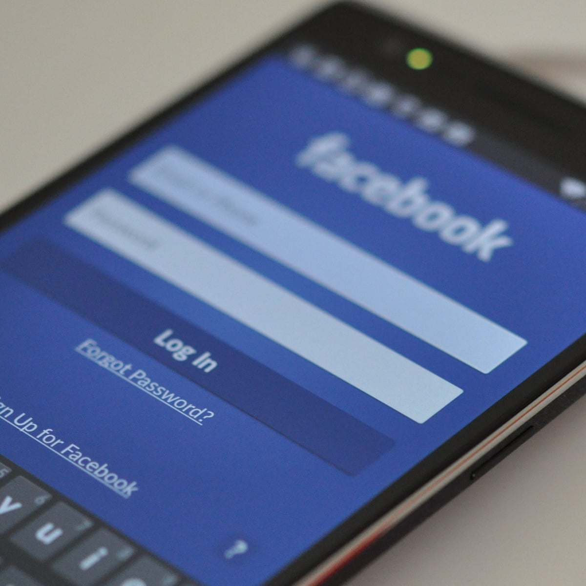 Uninstalling Facebook App Saves Up To 20 Of Android Battery Life Facebook The Guardian