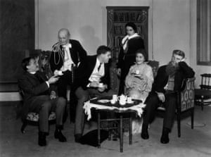 The dress rehearsal of Tyrone Guthrie's 1933 Old Vic production with, centre, Charles Laughton and Athene Seyler.