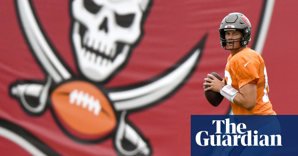 'What's up, babe?' How the Tampa Bay Buccaneers wooed Tom Brady