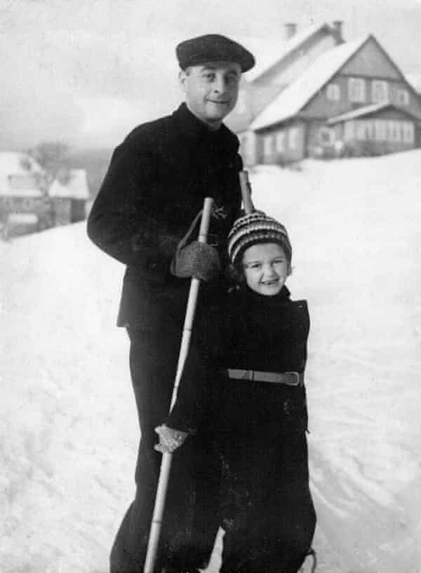 Sue Pearson as a child, skiing with her father in the mid-1930s