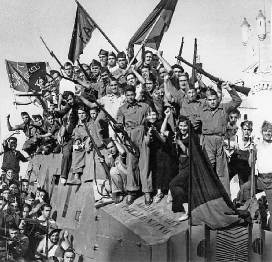 Anarchist fighters in Barcelona in July 1936. Image shot 1936
