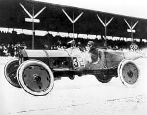 Ray Harroun driving his No. 32 Marmon Wasp race car