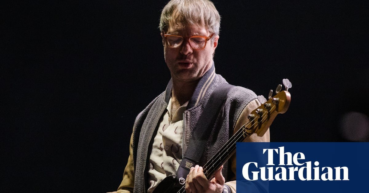 Mickey Madden, Maroon 5 bassist, arrested on domestic violence charges