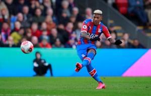 Crystal Palace's Patrick van Aanholt curls in the free-kick.