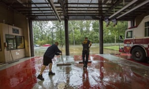 Firefighters deal with flooding in Norfolk, US