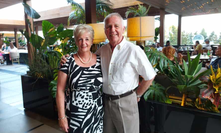Pam και John Vernon στη Λεμεσό, Κύπρος.