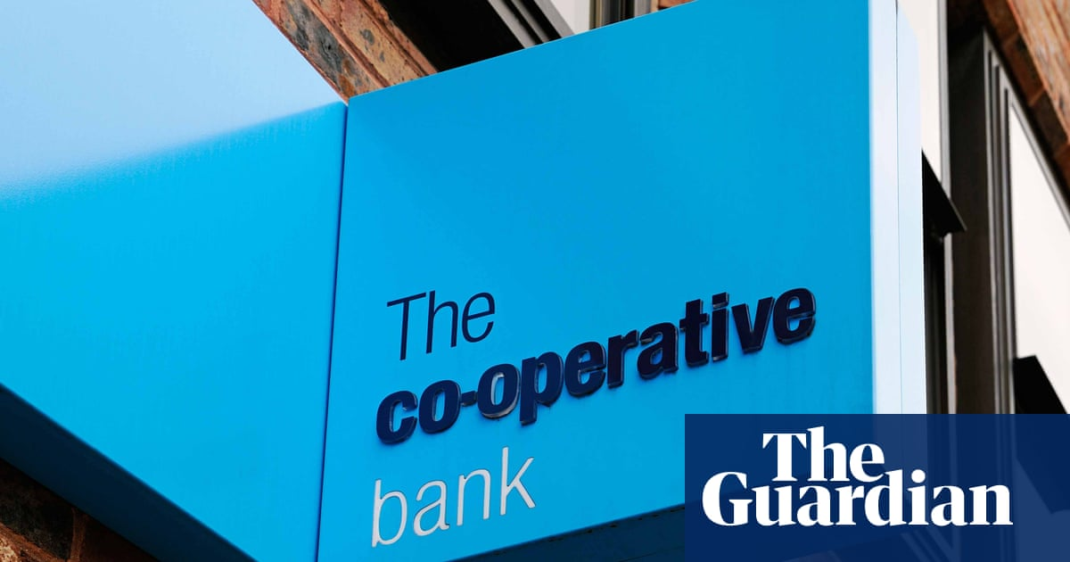What is going on at the Co-op Bank's call centres?