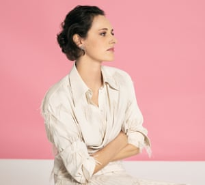 Headshot of writer and actor Phoebe Waller-Bridge