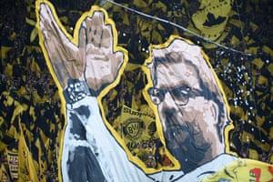 Dortmund fans thanking Jürgen Klopp before his departure in 2015.