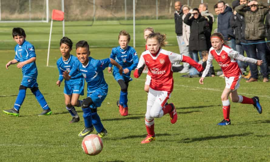 Arsenal Ladies' under-10s take on AC Finchley in the Watford Friendly League.