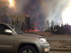 Wildfire passes close to highway in Canada