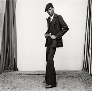 Un Gentleman en Position, 1980