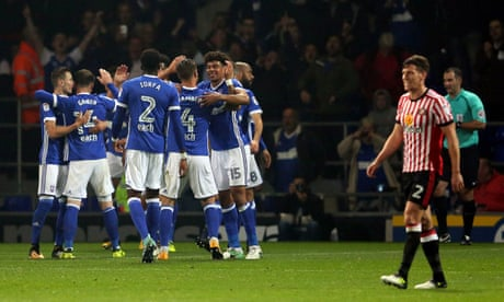 Football League roundup: Ipswich pile pressure on Sunderland's Grayson